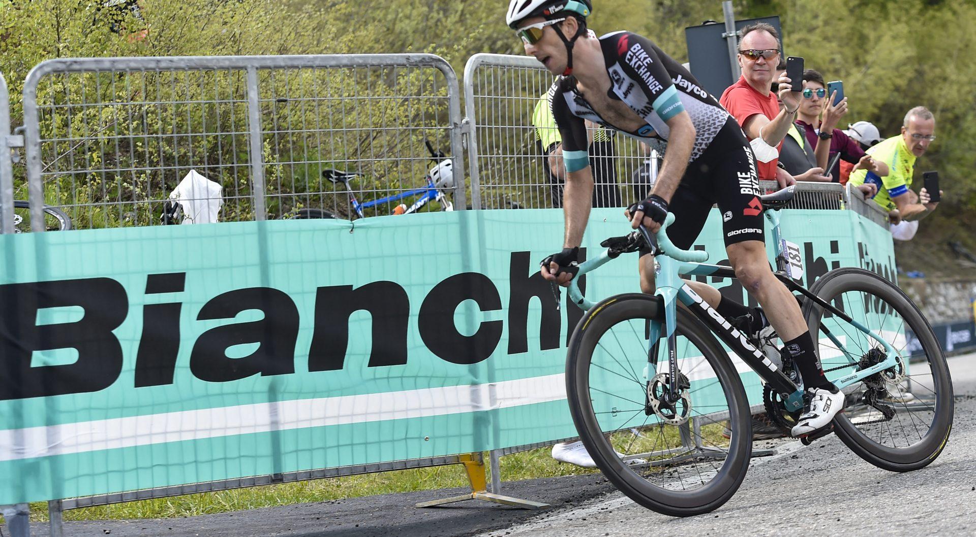 Giro d'Italia 2021 - 104th Edition - 19th stage Abbiategrasso - Alpe di Mera 166 km - 28/05/2021 - Simon Yates (GBR - Team Bikeexchange) - photo Tommaso Pelagalli/BettiniPhoto©2021